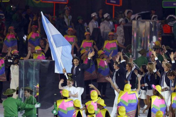 Juegos Olimpicos Rio 2016 Brasil La delegacion argentina con Luis Scola al frente ingresan de la ceremonia olimpica en el estadio Maracana en los Juegos Olimpicos Rio 2016.  05.08.2016 Foto. Maxi Failla